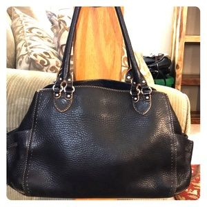 💕Cole haan village black leather med satchel 💕
